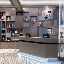 Hotel Versey Days Inn By Wyndham Chicago in Evanston