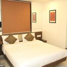Hotel Vetro Inn in Kamrej