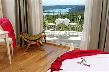 Hotel Villa Stefanija in Pinezici