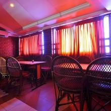 Hotel Vinayak in Othakalmandapam