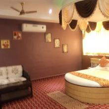 Hotel Vinayak Palace in Bilaspur
