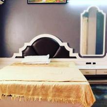 Hotel Vishwamitra in Latur