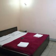 Hotel Vivek in Prayagraj