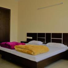 Hotel Walnut in Kotdwara