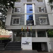 Hotel White Parrot in Mysore