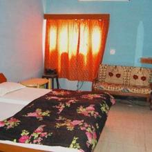Hotel Yogi Lodge in Khajuraho
