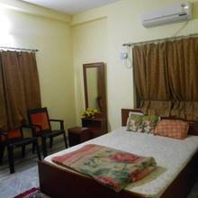 Hotel Zaayka in Debipur