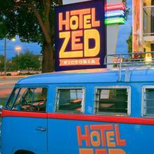 Hotel Zed in Victoria