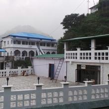 Hotel Natraj Palace in Dharda