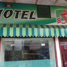 Hotel R Inn in Lukerganj