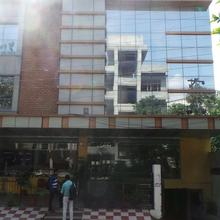 Hotel Valley Plaza in Mussoorie