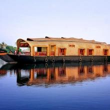 Houseboat With All Meals In Kollam, By Guesthouser 10376 in Kollam