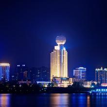 Howard Johnson Pearl Plaza Wuhan in Wuhan