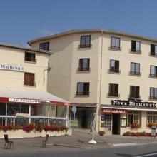 Hôtel De La Mère Michelet in Chabrac