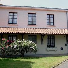 Hôtel des Biches in Nuaille