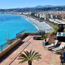 Hôtel La Pérouse Nice Baie Des Anges in Nice