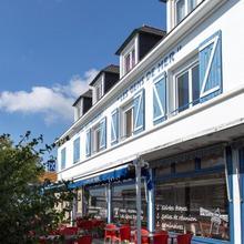 Hôtel Les Gens De Mer Lorient By Popinns in Lorient