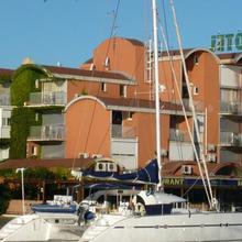 Hôtel Port Beach in Salles-d'aude