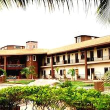 Hudson Hotels in Madambakkam