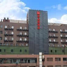 Ibis Hangzhou Huanglong Sports Center Hotel in Hangzhou