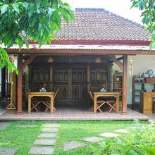 Indah Home Stay in Bali