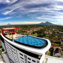 Indoluxe Hotel Jogjakarta in Yogyakarta
