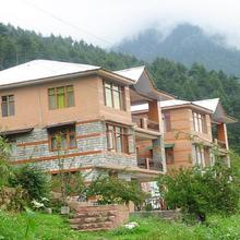 Indraprastha Cottages in Manali