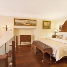 Iron Gate Hotel & Suites in Prague