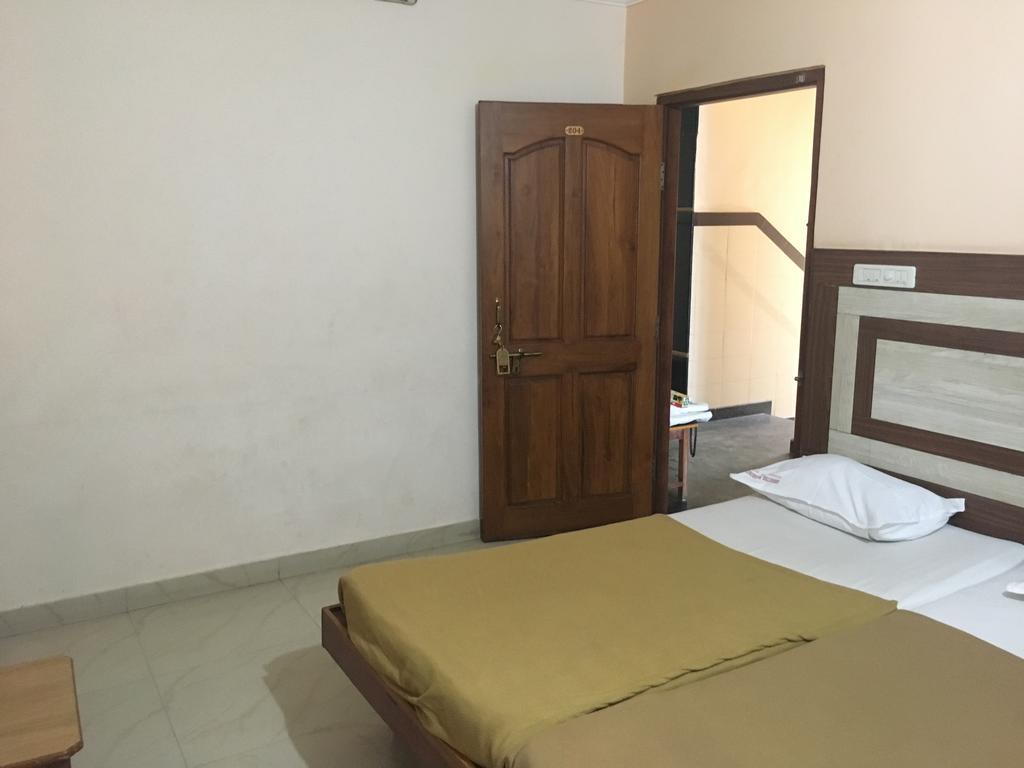 Iroomz Amrutha Residency in Hospet