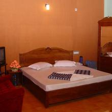 Italiya Resort in Meenangadi