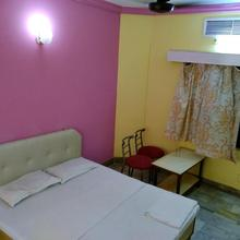 Spot On 37757 Hotel Paradise in Moradabad