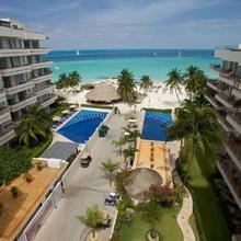 Ixchel Beach Hotel in Isla Mujeres