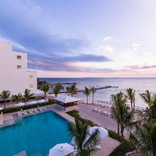 Izla Beach Front Hotel in Isla Mujeres