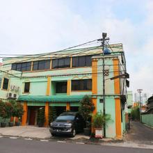 Jambrut Inn in Jakarta