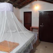 jasmine huts & rooms in Pololem