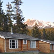 Jasper House Bungalows in Jasper