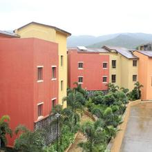 Jenjon Holiday Homes - Lavasa in Waki