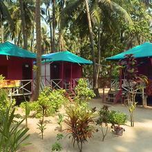 Jessia Brown Bread Coco Huts in Pololem