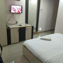 Jk Rooms 122 Shaheen-nr. Mahindra Co.-midc in Nagpur