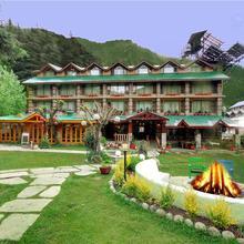 Johnson Lodge & Spa in Manali