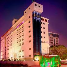 Jp Chennai Hotel in Annanur