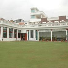 Jyoti Hotel & Restaurant in Mustafabad