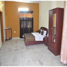 Jypore Saffron Inn & Suites in Dhanakya