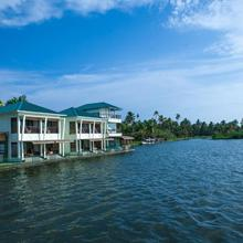 Mira's Pmc Lakeshore Resort in Kumarakom