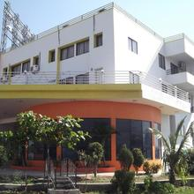 Kailash Lodging in Ranjangaon Ganpati