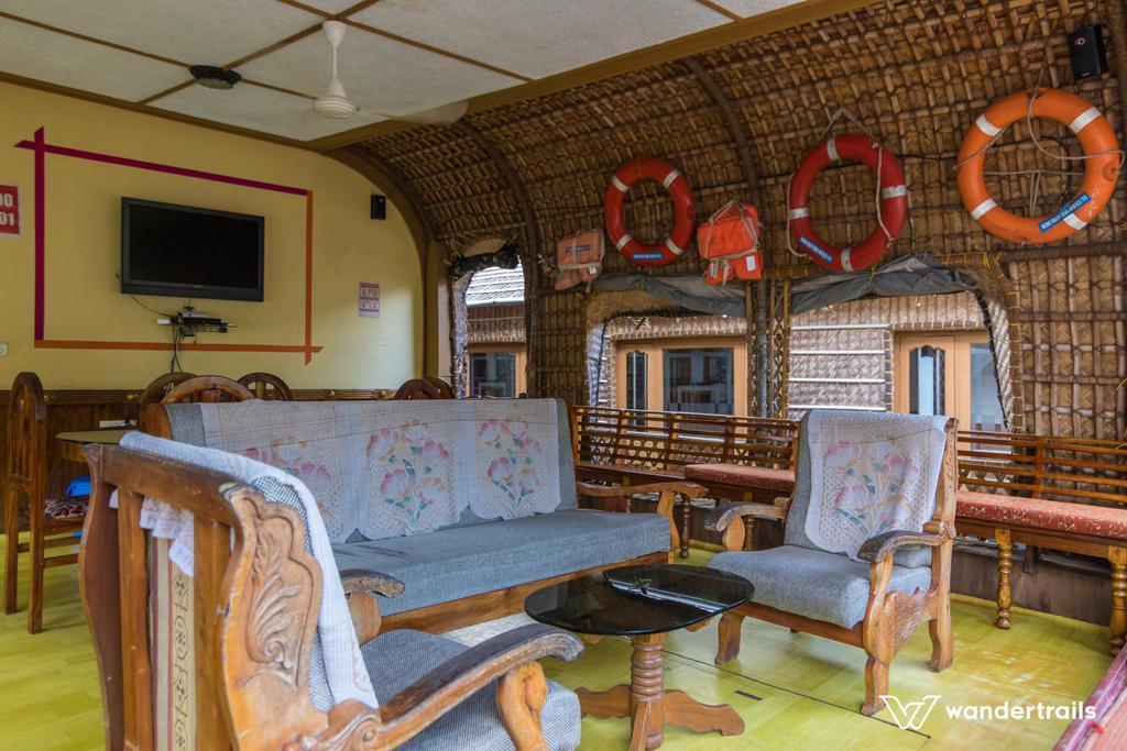 Kananavasan Holidays in Kottayam
