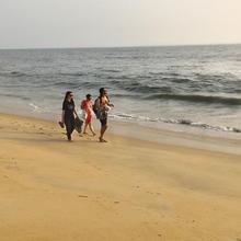 kannur west beach house in Thalassery