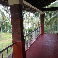Kannur West Beach House in Kadirur