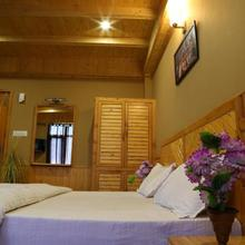 Kanyal Height Cottages in Manali