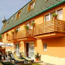 Karádi Hotel in Hajduszoboszlo